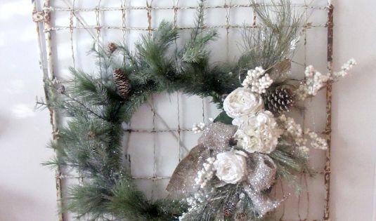 Troep chique huisje, Witte kerst and Poorten on Pinterest