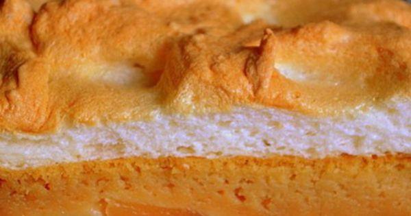 Prajitura super pufoasa cu mere vanilie si bezea