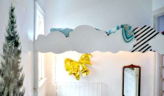 (kid room redo) loft bed...but not the clouds? Emtour13_rect640