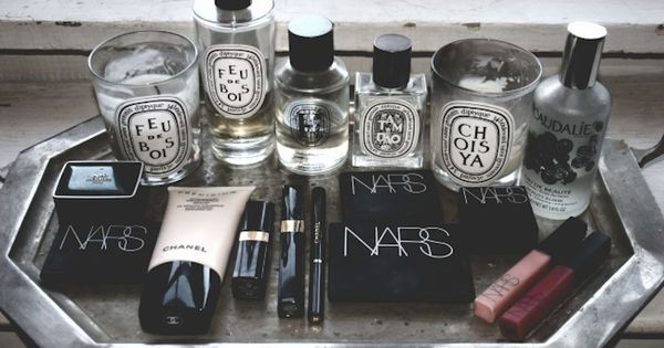 makeup organizing and diptyque candles