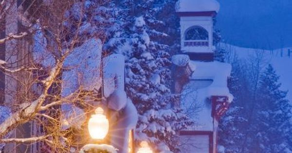Christmas Streetlights, Crested Butte, Colorado I cannot wait to spend the Holidays