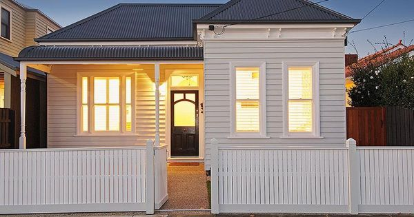 White on white edwardian house like the black front door - Edwardian exterior house colours ...