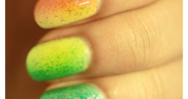 nail art sparkles pretty rainbow gradient nails
