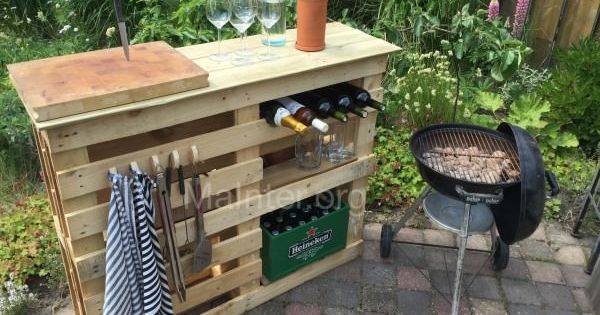 bbq side table made from 2 old pallets old boards pallet ideas terrace side tables and tables. Black Bedroom Furniture Sets. Home Design Ideas