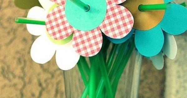 Decorativi piatti bicchieri e cannucce alle feste dei - Piatti plastica ikea ...