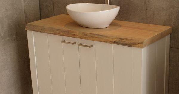 Onze badkamermeubels ademen de sfeer van het landelijke en tijdloze prachtig is de combinatie - Badkamermeubels vintage ...