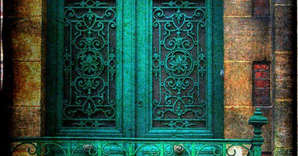 turquois door