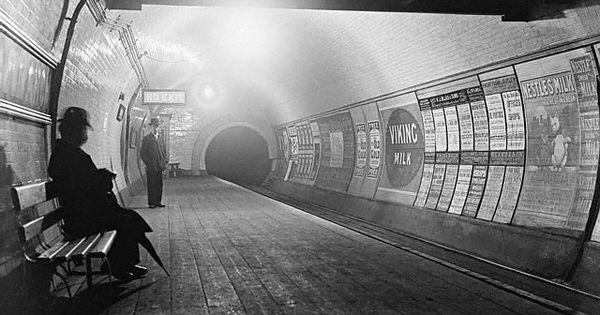 Twitter. London Underground 1920.
