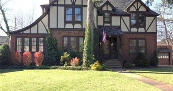 413 Sedgwick Dr Syracuse Ny 13203 Zillow Old Houses House