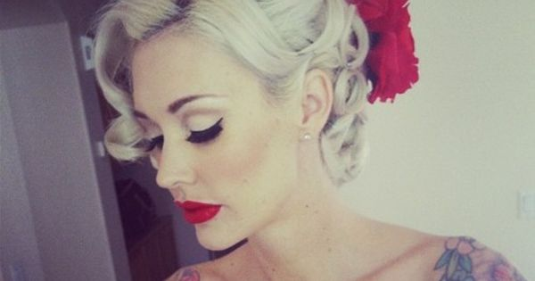 Tattoos, red lips, and a vintage Pin-up hair style!!! In love with