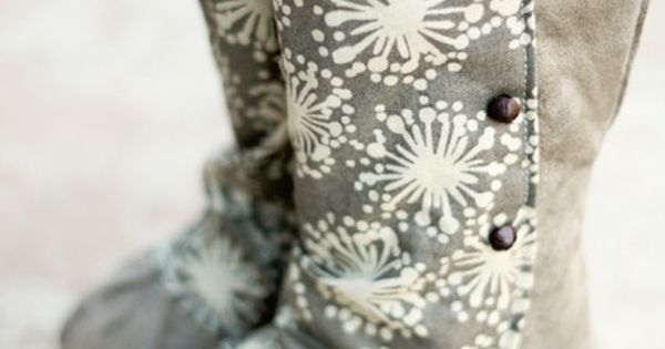 DIY Baby boots! These are so cute. I MUST make these for