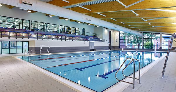 West Bromwich Leisure Centre Use An Oxford Dipper Pool Lift Uk Pool Hoists Pinterest West