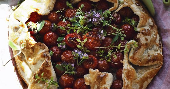 Gardener's Crostata with Cherry Tomatoes, Herbs, & Parmesan | Suvi sur le