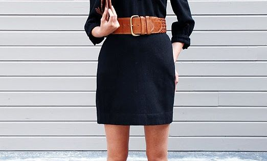 Love how the dress has the wide belt. This is a cute