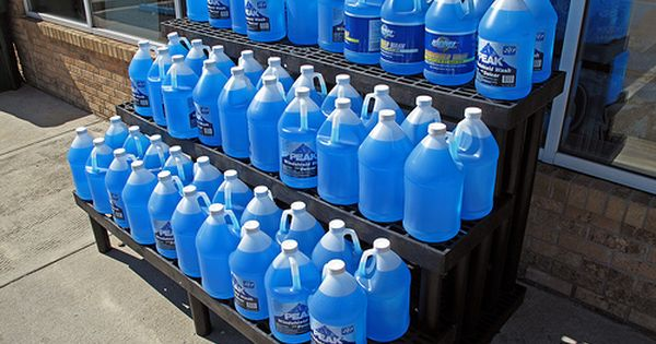 Windshield Washer Fluid If The Temperature Drops Below 7 C It Is Time For Your Car To Put On Its Winter Tires At Windshield Washer Washer Fluid Windshield