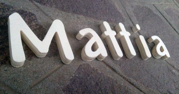 Lettere di legno nome in legno come decorazione per for Nomi in legno da appendere