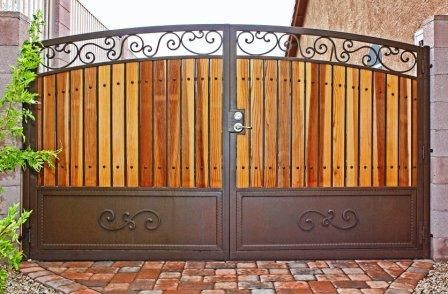 Pin By Eng Lok Hau On Vorota Zabor Dver Krylco House Main Gates Design Wood Gate House Gate Design