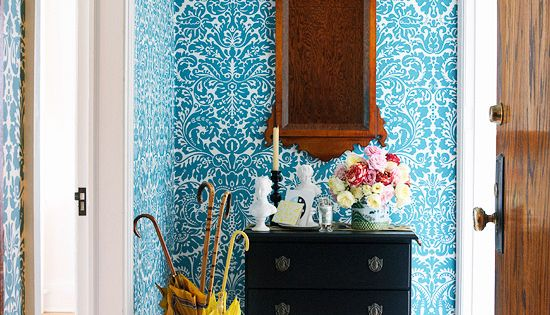 #hallway, entryway with blue wallpaper, love this small space