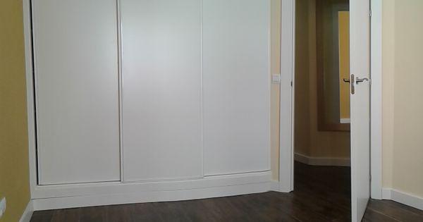 Carpinter a interior armarios puertas correderas con - Cierres automaticos para puertas ...