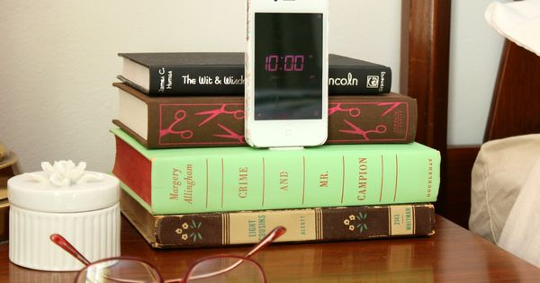 old book crafts diy iphone docking station from old books doing this!!