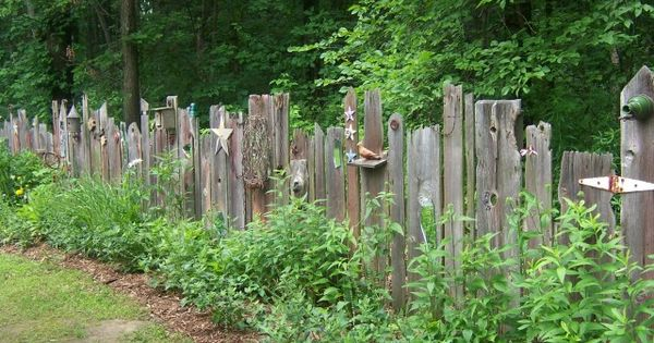 awesome old fence by cornbreadandbeansquilting gardening pinterest z une gartenz une. Black Bedroom Furniture Sets. Home Design Ideas