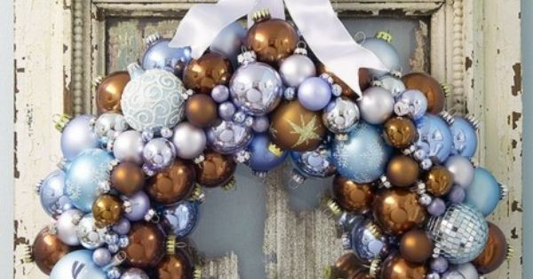 Yes! Color combo!! Vintage Christmas Ornament Wreath