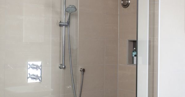 Douchen onder een schuin dak dat is zeker mogelijk met deze ideale oplossing van baderie heeft - Tub onder dak ...