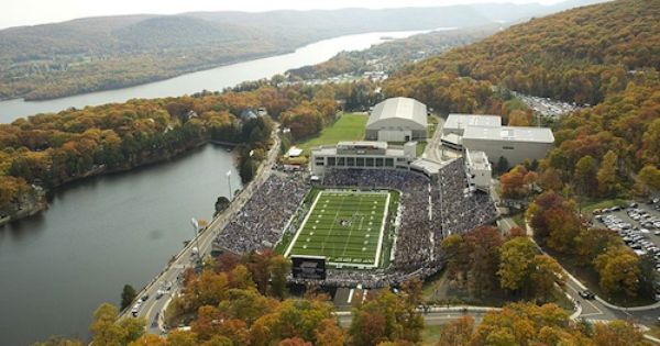 13 Best Places To Watch College Football Michie Stadium College Football United States Military Academy