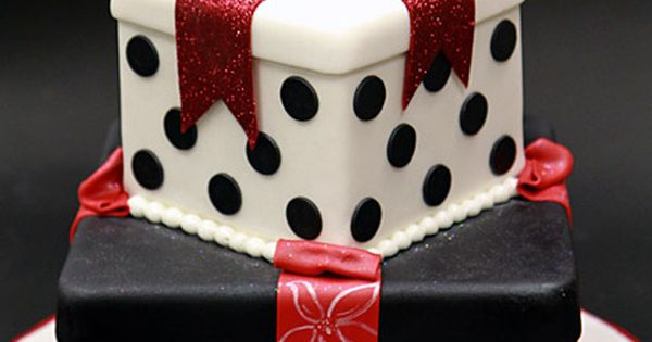polka dots gift cake