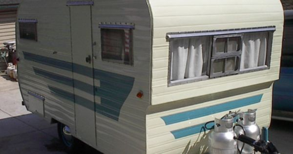 Pin By Lanette Marcacci On Travel Trailer Vintage Vintage Travel Trailers Vintage Campers Trailers Vintage Caravans