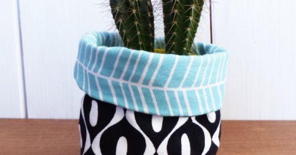 mini cache pot tissu 8 cm pour mini plante mini cactus tissus vert menthe et noir minis. Black Bedroom Furniture Sets. Home Design Ideas