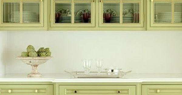 Heel zacht olijfgroen prachtige kleur voor een keuken verf je keuken paint your kitchen - Kleur verf moderne keuken ...