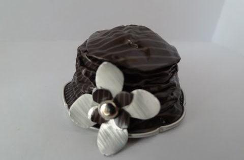 diy nespresso comment faire un chapeau nespresso pour une. Black Bedroom Furniture Sets. Home Design Ideas