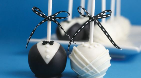 Bride & Groom Cake Pops: DIY !