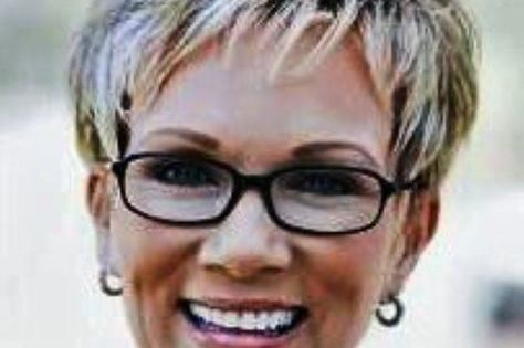 Short Hairstyles For Women Over 60 With Glasses Photo