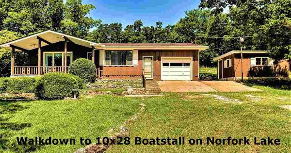 Imagine Your Boat Stall Just A Few Steps From Your Front Door Private Well Septic No Hoa Fees 12 X16 Shop 2 Arkansas Real Estate Mountain Home Front Door