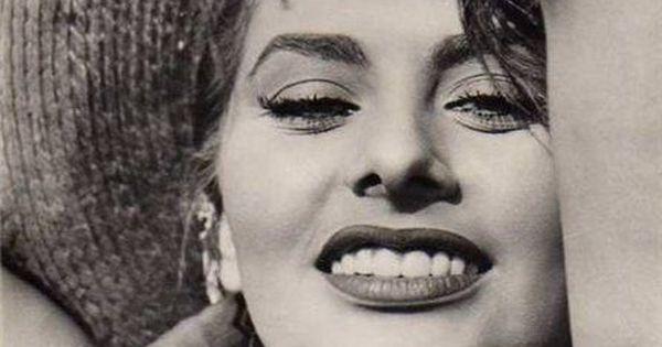 Sofia Loren // Vintage Fashion // Iconic Beauty // Fashion