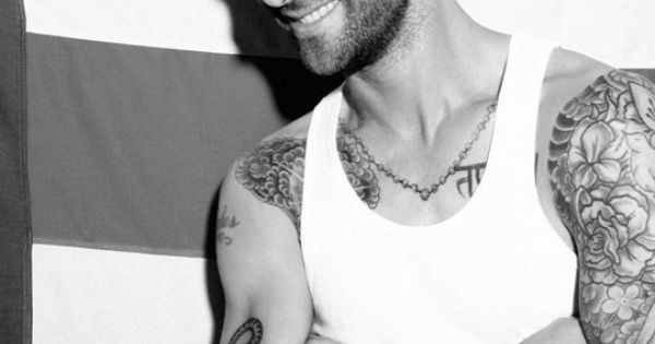 #Adam Levine tattoo Maroon 5 men