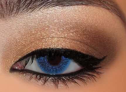 love this eye makeup