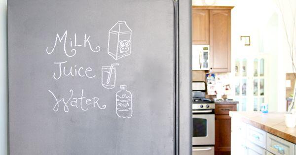 solution d co pour un vieux frigo la peinture ardoise. Black Bedroom Furniture Sets. Home Design Ideas