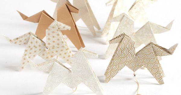 kit guirlande de chevaux en origami adeline klam diy pinterest origami diy origami and. Black Bedroom Furniture Sets. Home Design Ideas
