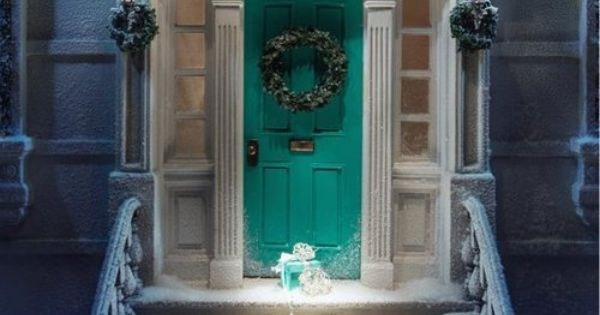 Tiffany & Co colored front door. What girl wouldn't want ...