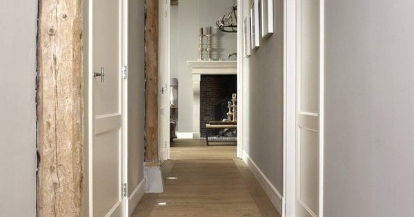 Houtambacht frans eiken plankenvloer met vloerspots de beste vloeren idee n uw - Midden kamer trap ...