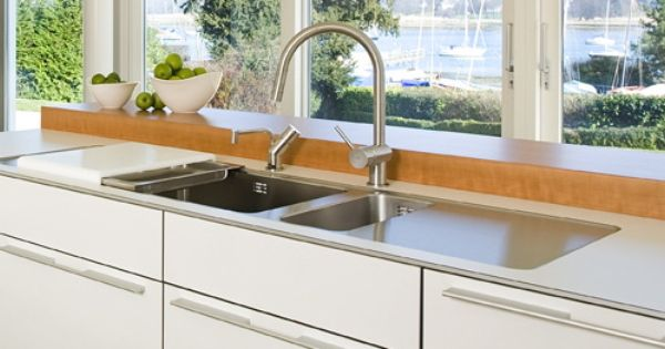 The sink area, or 'water point' in bulthaup terminology, is superb ...