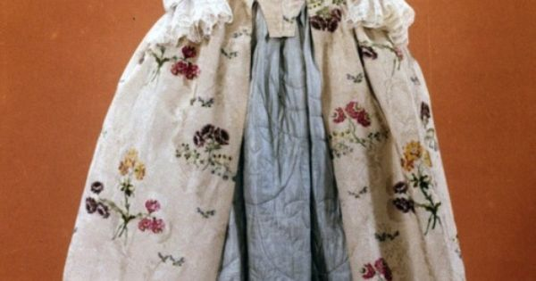mantua ca 1747 colonial williamsburg vintage fashion