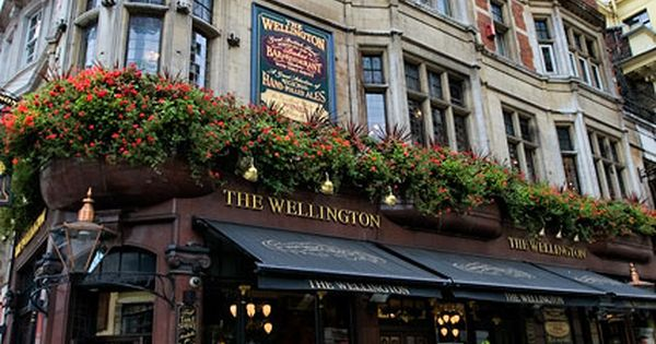 The Wellingon, a London pub.