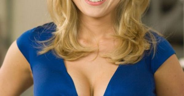 Alice Eve cleavage in a plunging blue dress | Beautys ...