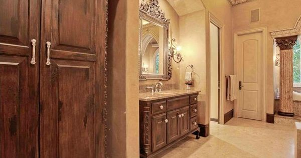 Interior design old world traditional for Old world bathroom designs