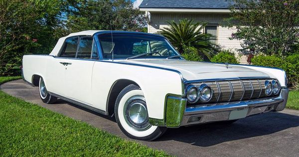 lyndon b johnson 39 s 1964 lincoln continental heads to auction autoweek cars pinterest. Black Bedroom Furniture Sets. Home Design Ideas