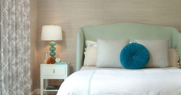 Bedroom sea foam green wall color design pictures for Sea green bedroom designs
